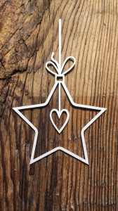 Tekturka Star with a heart bauble